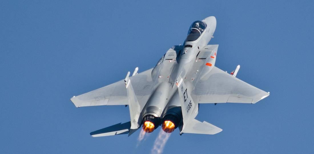 F15-Despegando