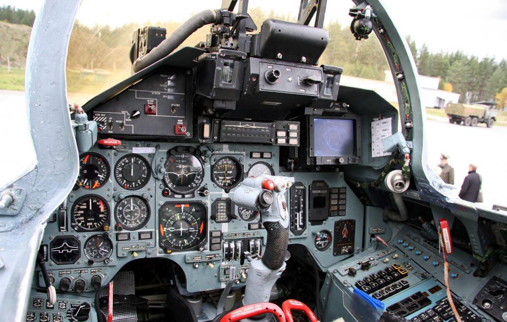 Su-27 - Cabina