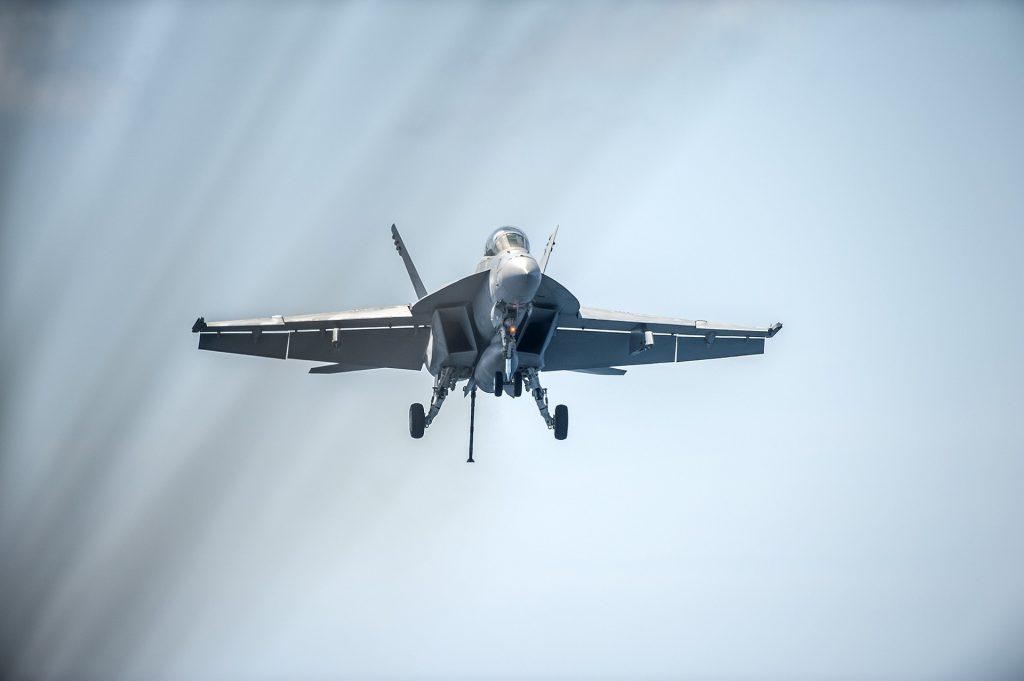 F/A-18 - Aterrizando