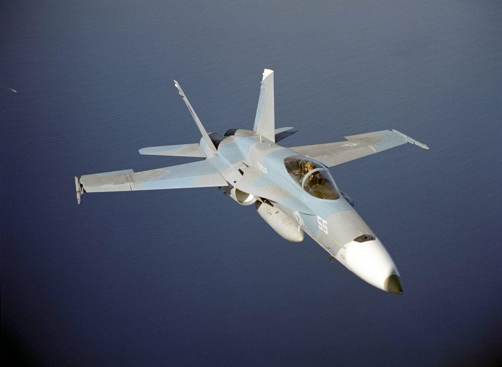 F/A-18 - Volando