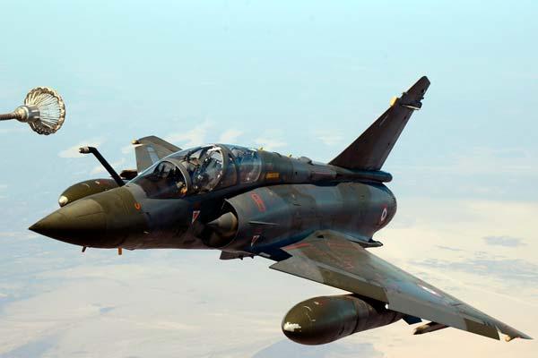 Avión caza Dassault Mirage 2000