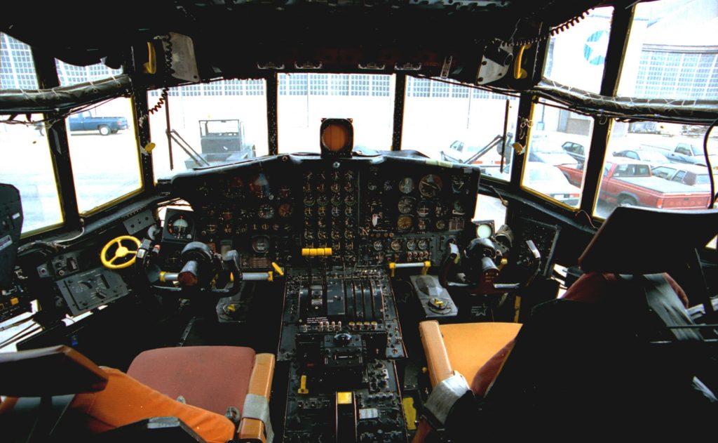 Avión Hércules C-130 por dentro