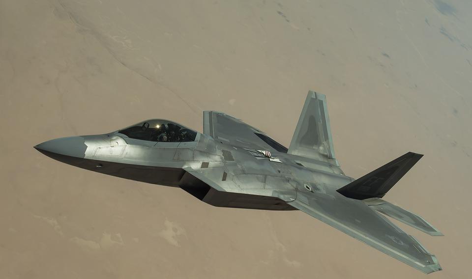 Avión caza bombardero F-22 Raptor