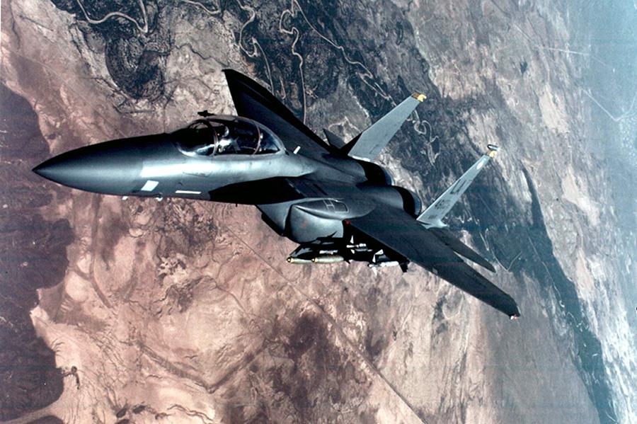 F-15 volando en la Guerra del Golfo