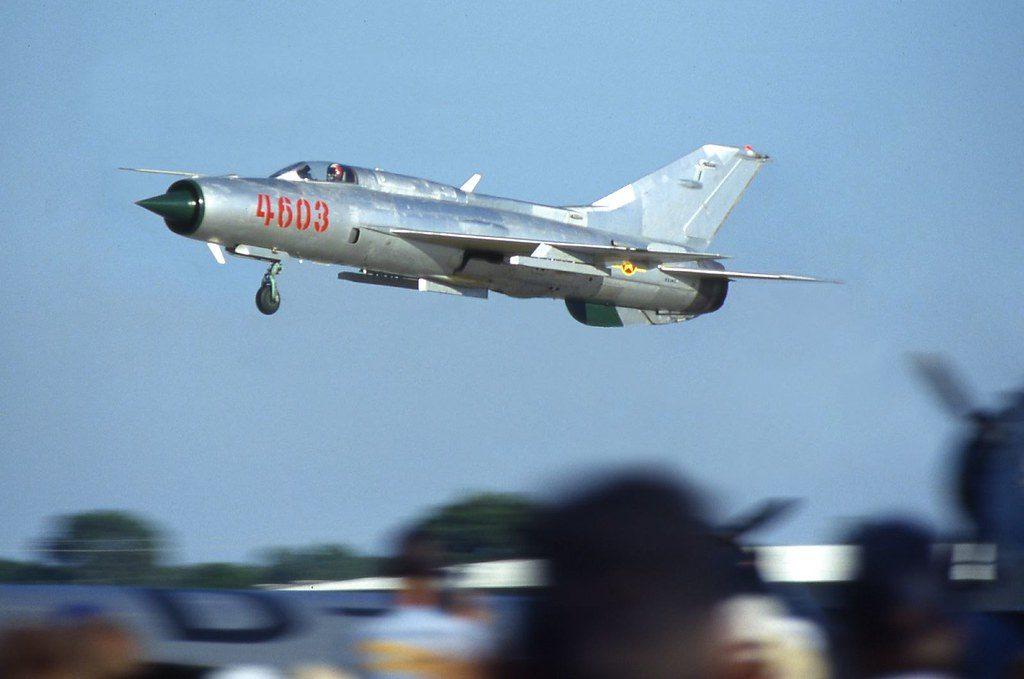 MiG-21 Lancer Despegando