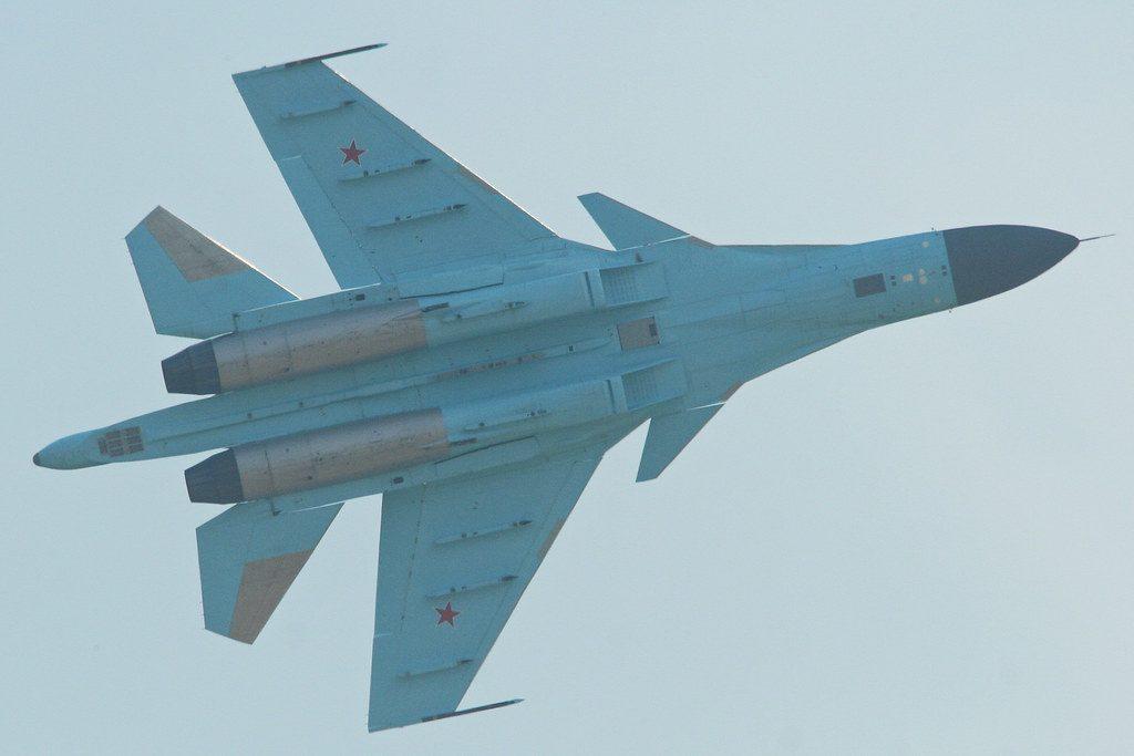 Cabina del avión de ataque Su-32